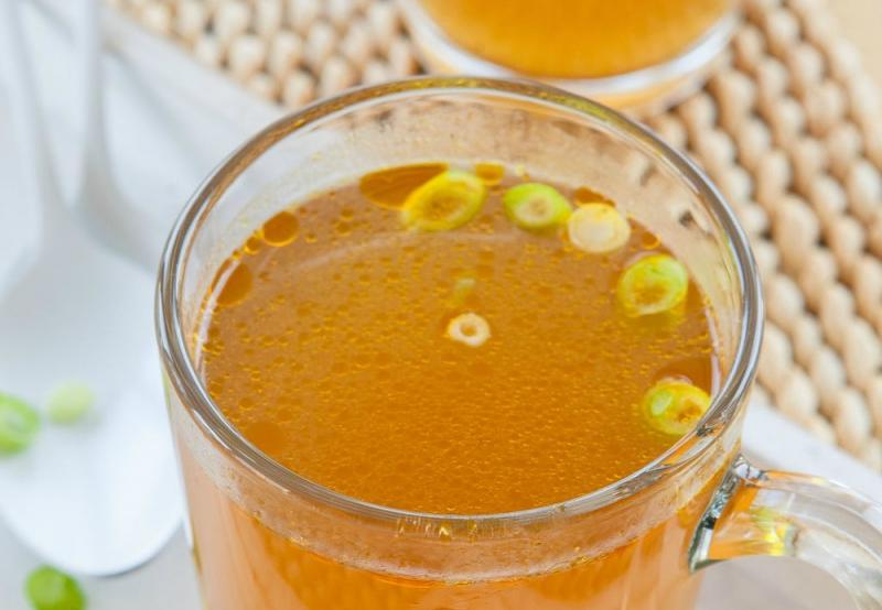 Bone broth for postpartum healing on Physio Excellence Blog