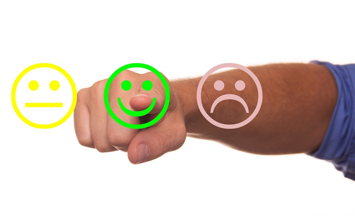 Pointing to a smiley face when considering online reviews for your PT website.