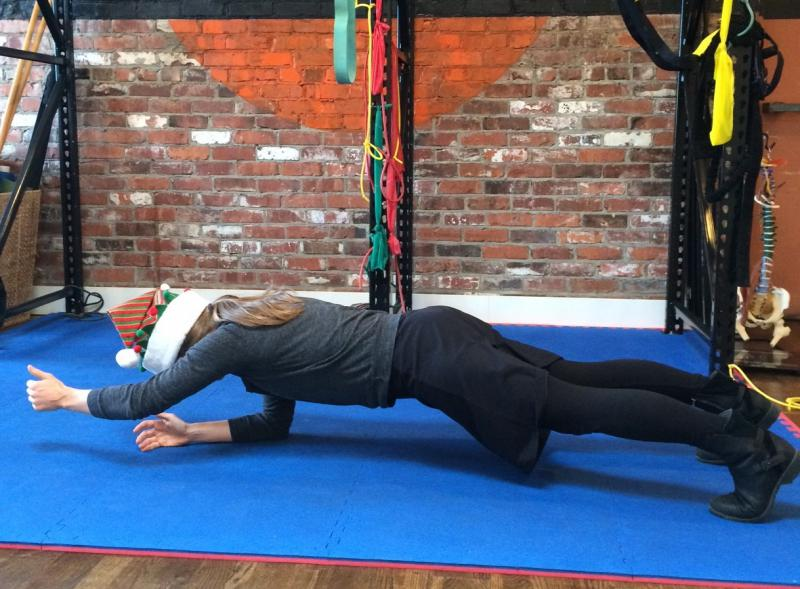 One arm extended plank